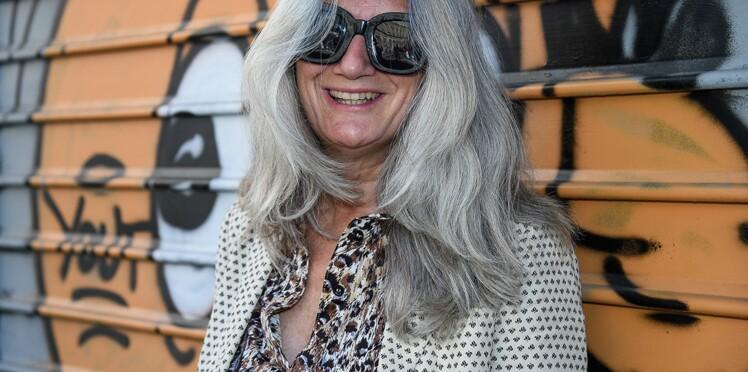 Comment s'habiller tendance l'été après 50 ans ? L'exemple décomplexé de Sophie Fontanel en 20 looks