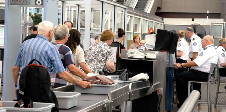 Comment récupérer les objets confisqués par la douane à l'aéroport ?