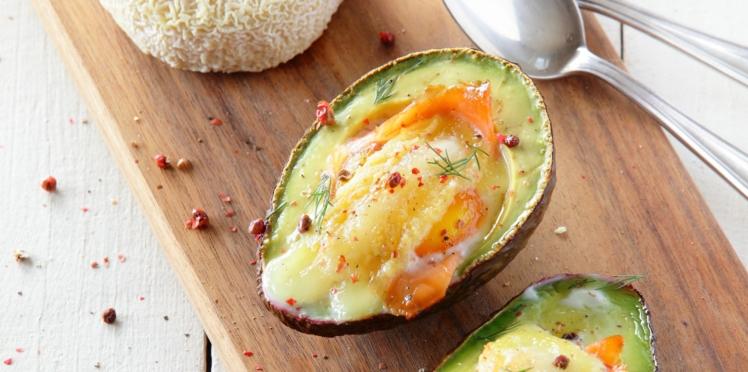 Avocado boats au Picodon AOP, œuf & saumon fumé