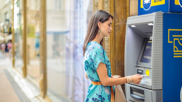 Comment calculer ses frais de carte bancaire à l'étranger
