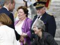 Le prince William et Theresa May à Amiens : sa révérence moquée par les internautes