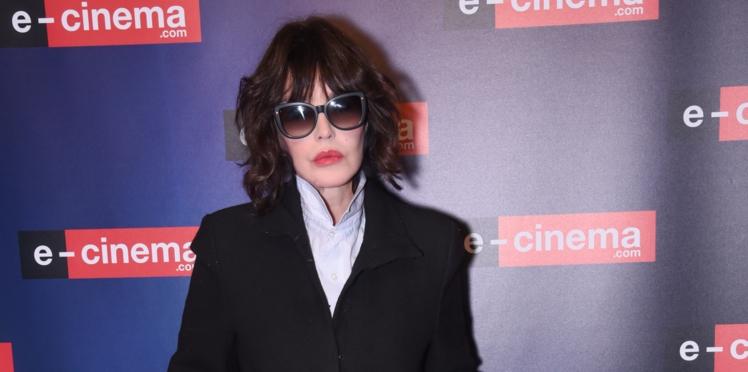 Isabelle Adjani explique pourquoi elle porte des lunettes noires depuis ses 14 ans