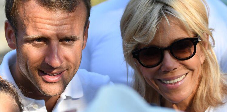 Photos – Nemo, le chien d'Emmanuel et Brigitte Macron, profite aussi des vacances à Brégançon