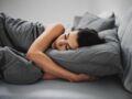 Sommeil : dormir de ce côté du lit nous rendrait de meilleure humeur