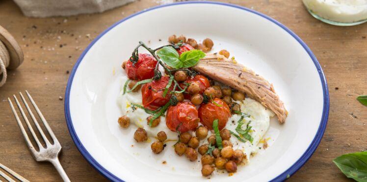 Thon basilic, tomates et pois chiches rôtis, crème de ricotta