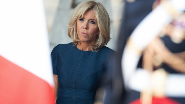 Vidéo - Brigitte Macron : sa danse avec les vacanciers de Bormes-les-Mimosas