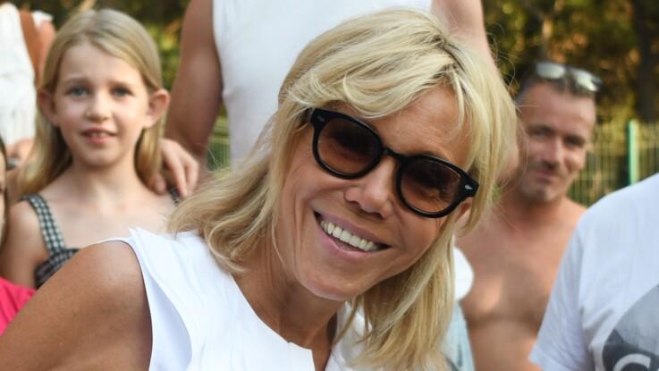 Photos - Brigitte Macron : élégante, même en tenue de plage !