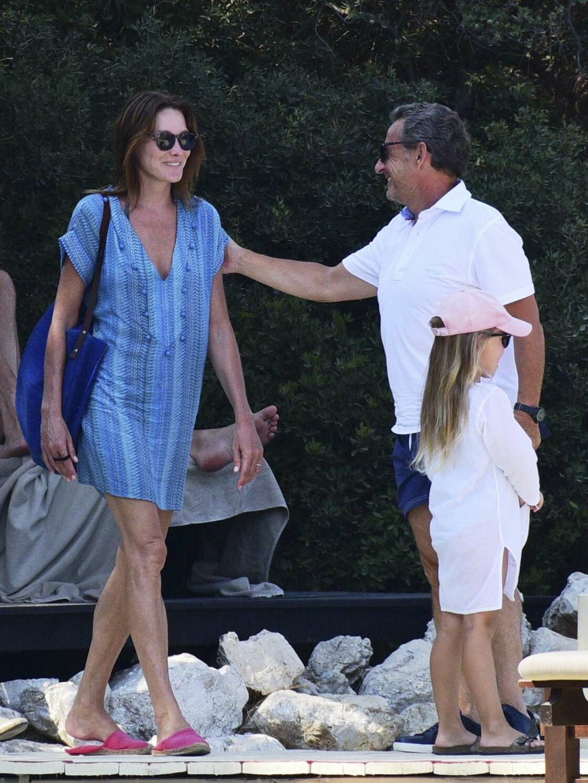 Photos Nicolas Sarkozy Et Carla Bruni Leurs Vacances En Turquie Avec Leur Fille Giulia Femme Actuelle Le Mag