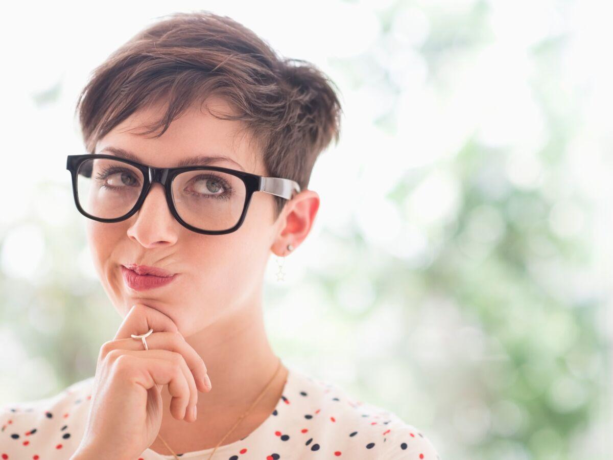 Faut Il Couper Ses Cheveux Courts Toute Seule Femme Actuelle Le Mag