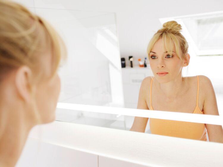 Cheveux secs, peau qui pèle, boutons... nos conseils pour réparer les  dégâts de l été   Femme Actuelle Le MAG 820eb84a9a4