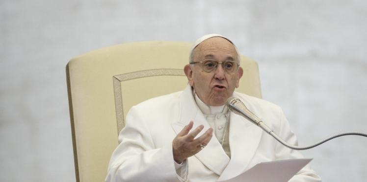 Le pape François fait scandale en préconisant la psychiatrie pour les enfants homosexuels