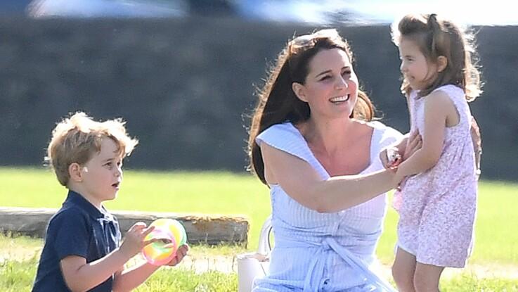 Pourquoi la princesse Charlotte vaut 1 million de livres de plus que son frère, le prince George