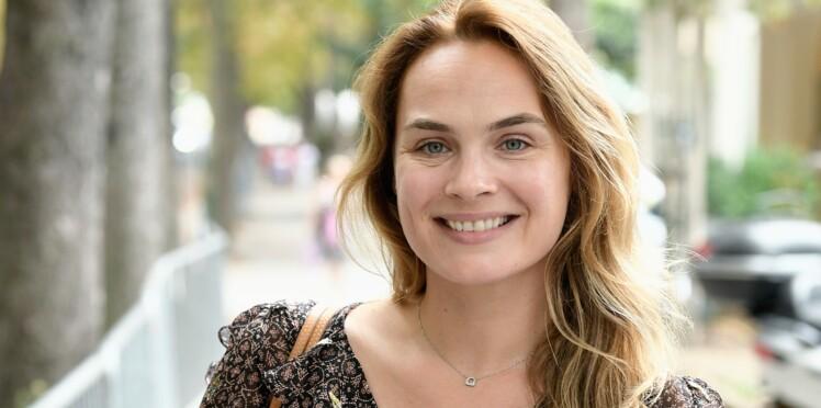1f431b3a03 Un si grand soleil : qui est Mélanie Maudran ? (Claire) : Femme ...