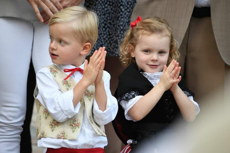Les adorables jumeaux d'Albert et Charlène de Monaco au pique-nique  annuel des Monégasques