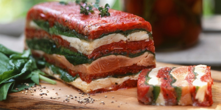 Pressé de saumon et bar aux tomates et épinards