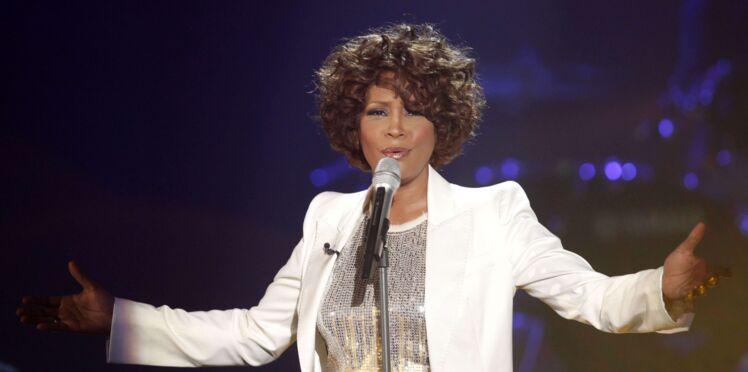 """Whitney Houston, agressée sexuellement par sa cousine pendant son enfance ? """"Elle n'a jamais osé en parler"""""""
