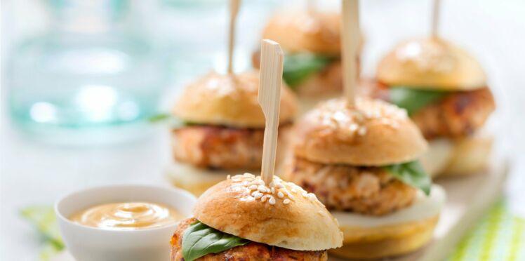Mini-burgers de poulet aux tomates séchées et mozzarella