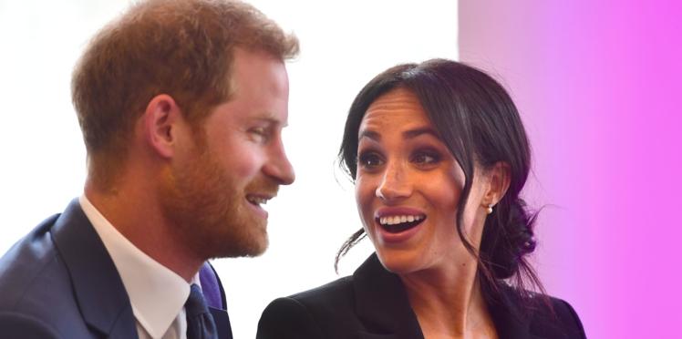 Quand le prince Harry ose caresser Meghan en public