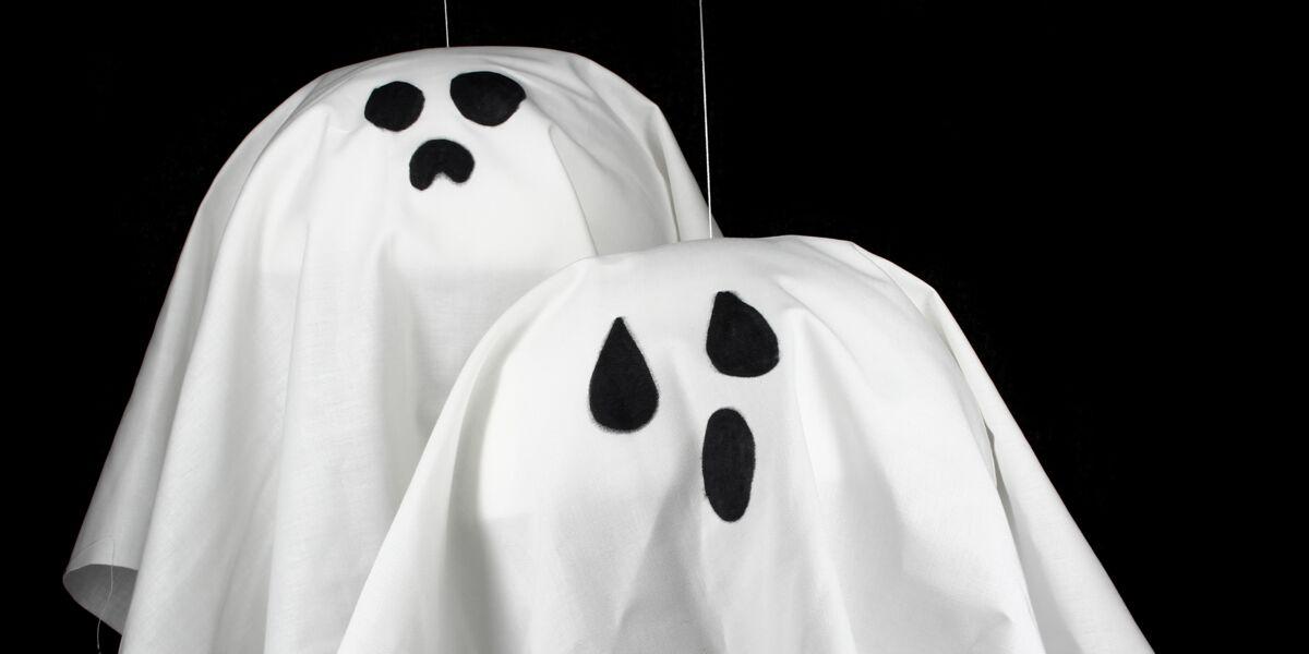 Deco D Halloween A Faire Soi Meme Facile Et Rapide Des Fantomes A Suspendre Femme Actuelle Le Mag