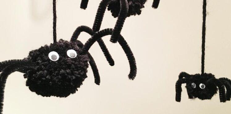 Bricolage d'Halloween : des araignées faciles à faire avec les enfants