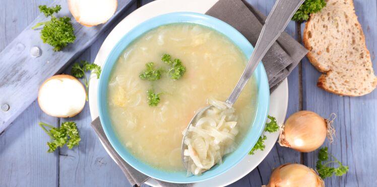 Soupe à l'oignon et aux vermicelles de konjac