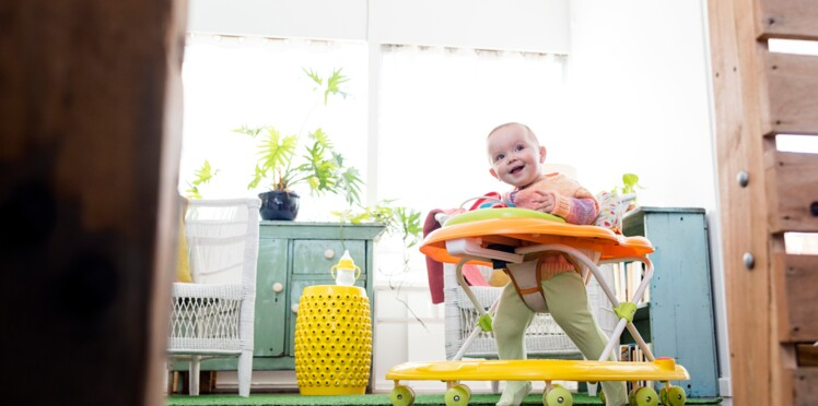 Les youpalas causent de trop nombreux accidents : doit-on éviter les trotteurs pour bébés ?