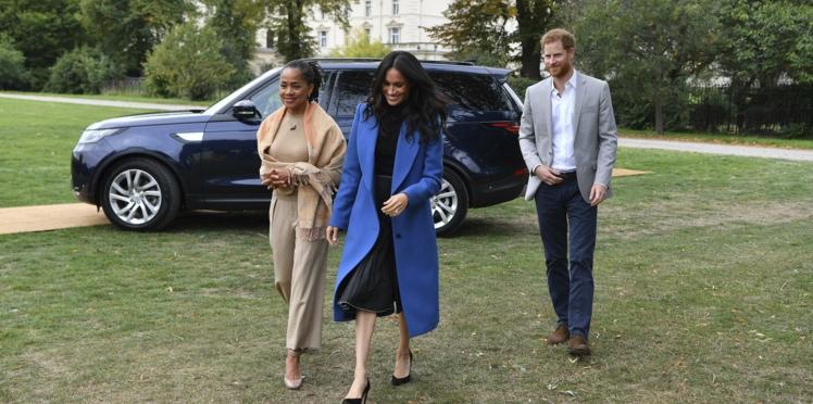 Photos - La mère de Meghan Marle, Doria Ragland, a le droit à sa première sortie publique avec sa fille et le prince Harry !