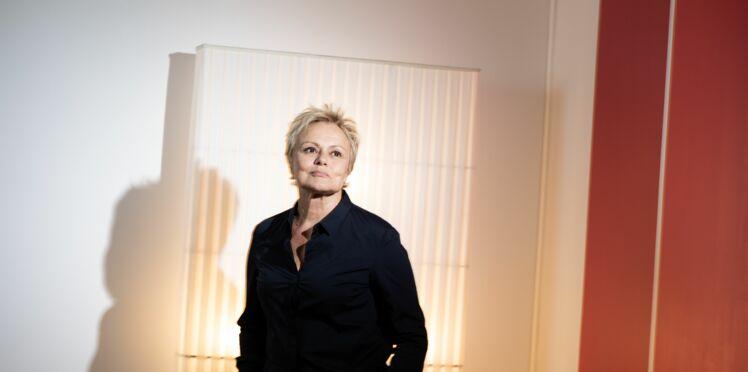 """L'appel de Muriel Robin pour les femmes victimes de violences : """"Sauvons celles qui sont encore vivantes"""""""