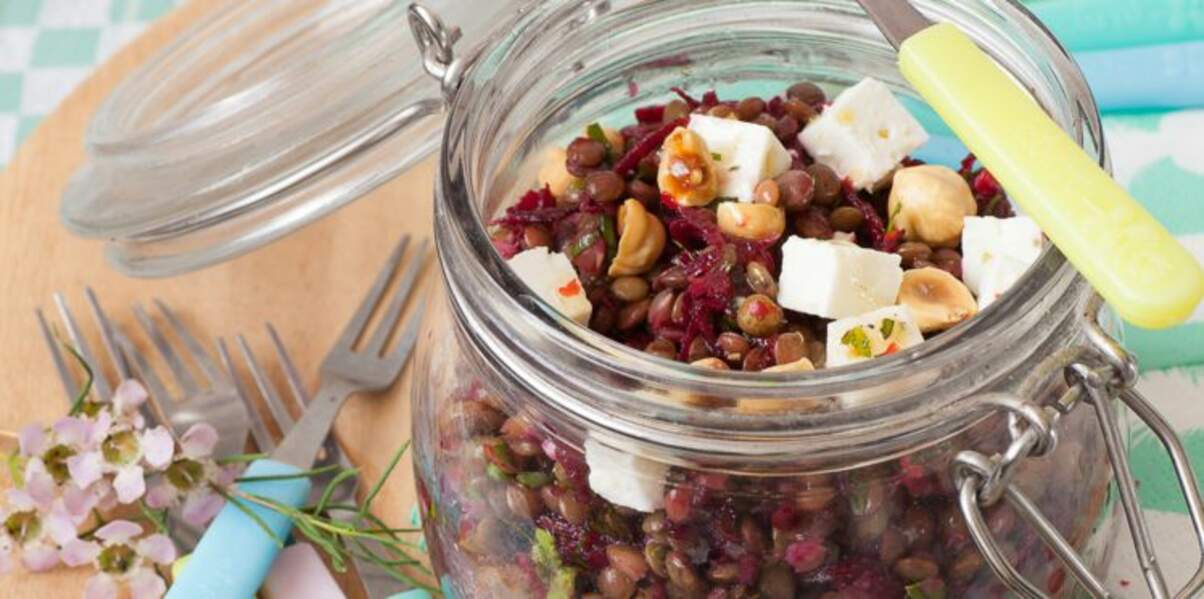 Salade de lentilles, dés de feta et vinaigrette au miel