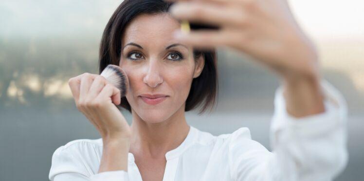 10 erreurs make-up à ne plus faire après 40 ans