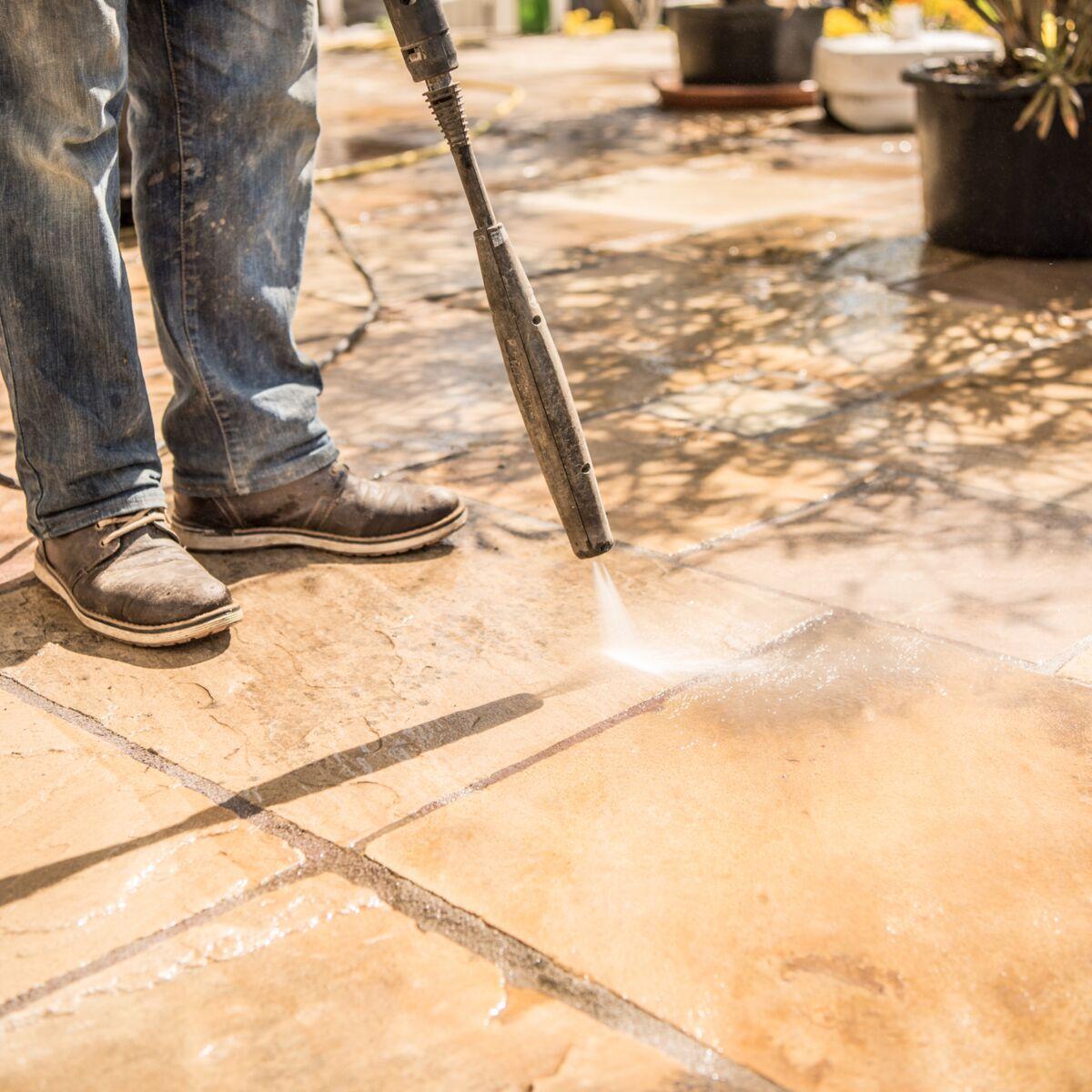 Bicarbonate De Soude Pour Terrasse nos astuces naturelles pour supprimer la mousse sur une