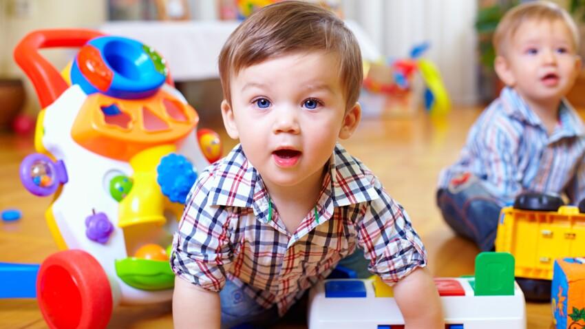 Télécommandes, jouets : mon enfant a ingéré une pile bouton, comment réagir ?