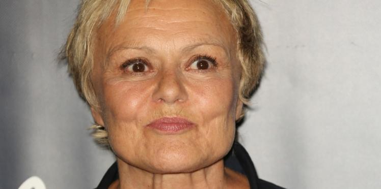 """Muriel Robin révèle comment sa compagne, Anne Le Nen, l'a sortie de son """"alcoolisme mondain"""""""