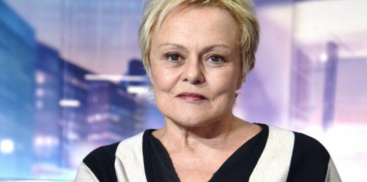 """Pour l'interpréter à la télévision, Muriel Robin a rencontré Jacqueline Sauvage : """"Maintenant on est sœurs !"""""""