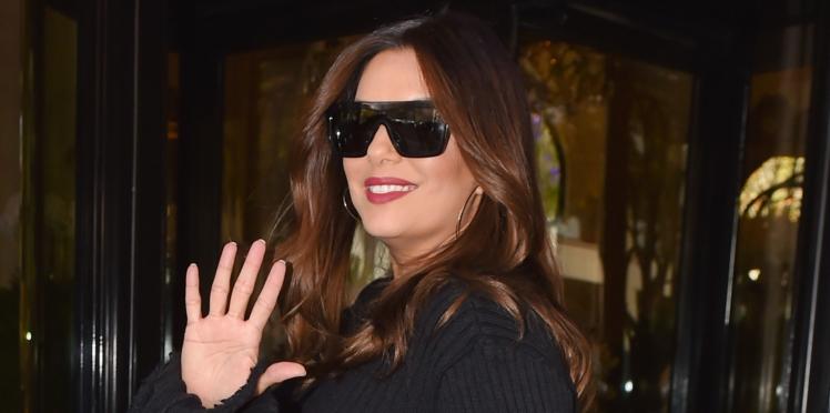 Eva Longoria : l'actrice assume ses kilos de grossesse pour L'Oréal en robe (très) courte