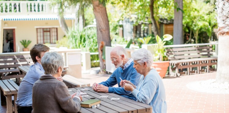 """Un village """"Alzheimer"""" va ouvrir en France pour aider les patients à retrouver leurs souvenirs"""