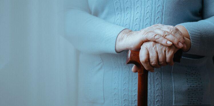 Une femme sur deux risque d'être frappée par un AVC, une démence ou Parkinson