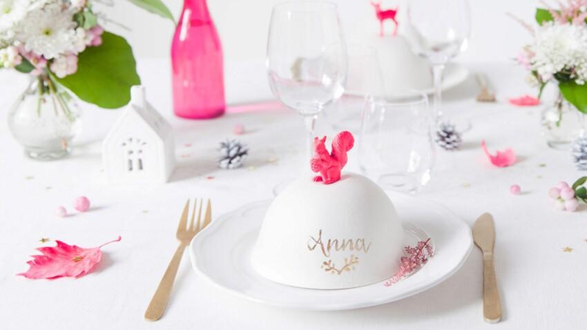 Déco de table : des cloches surprises en guise de marque-places pour Noël