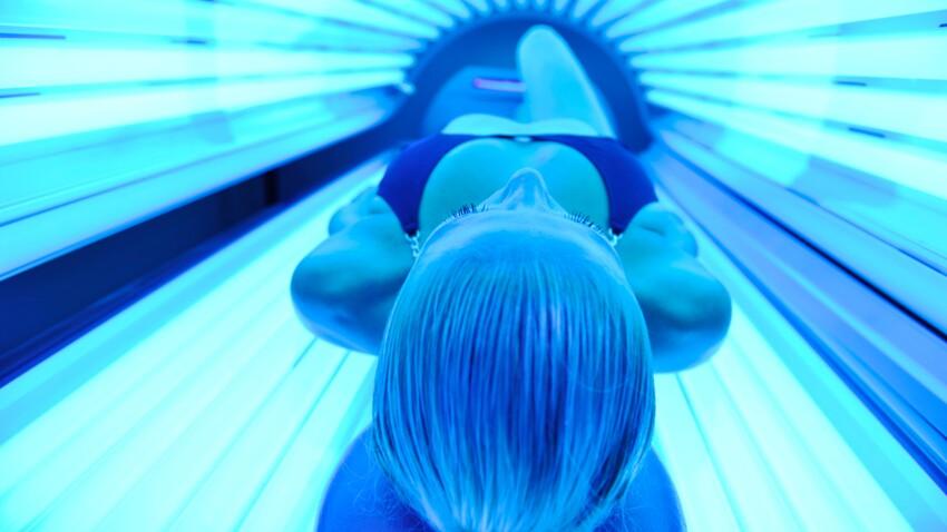 Cabines de bronzage UV : les experts réclament leur fermeture