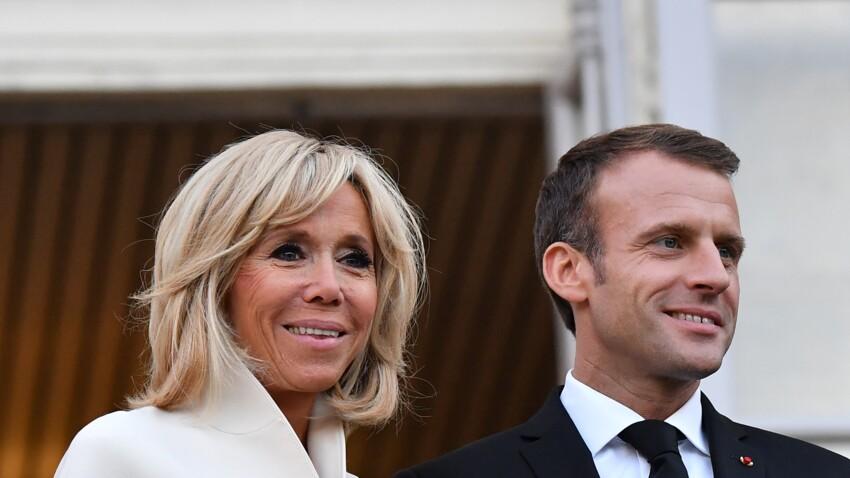 Photo - Emmanuel et Brigitte Macron unis et amoureux à l'Élysée