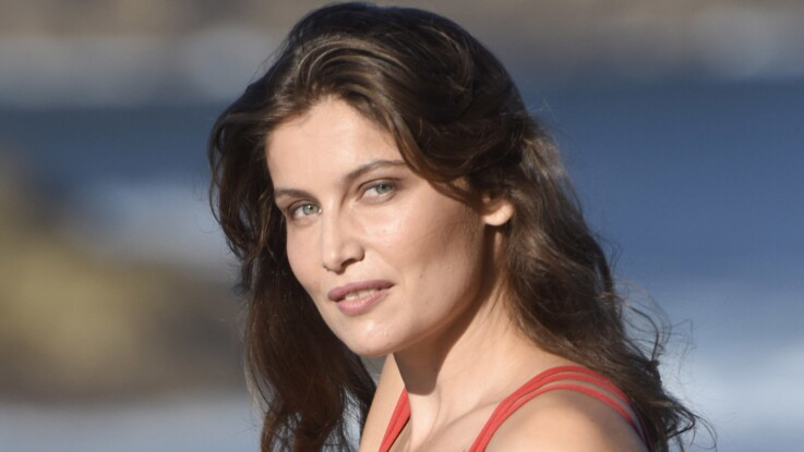 PHOTO - Laetitia Casta, ultra-sexy en robe mouillée totalement transparente : la photo qui fait le buzz !