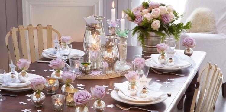 DIY facile et pas cher : une déco de table de Noël romantique avec des roses