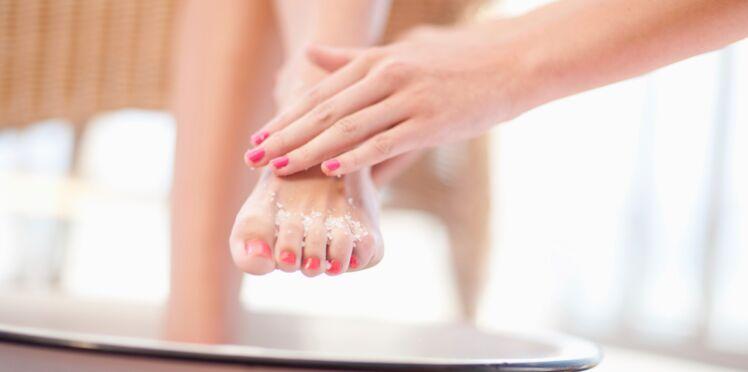 DIY : la recette du gommage pour les pieds à faire soi-même