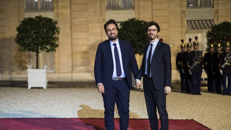 Mounir Mahjoubi pose main dans la main avec son compagnon Mickaël Jozefowicz à l'Élysée