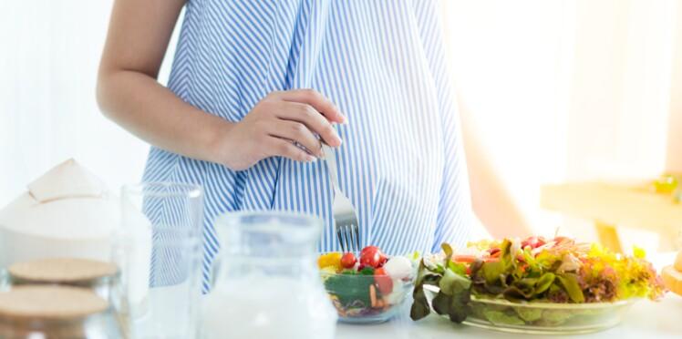 9 aliments à éviter pendant la grossesse