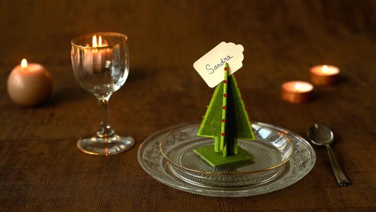 Déco de Noël fait main : des marque-places sapin en carton