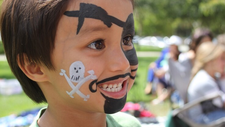 Halloween  un maquillage de pirate terrifiant pour bluffer les enfants