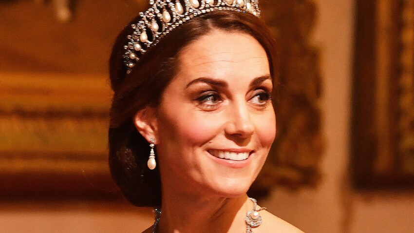 PHOTOS - Kate Middleton : sa robe de bal critiquée par les internautes (et jugée « pire robe de tous les temps »)  !