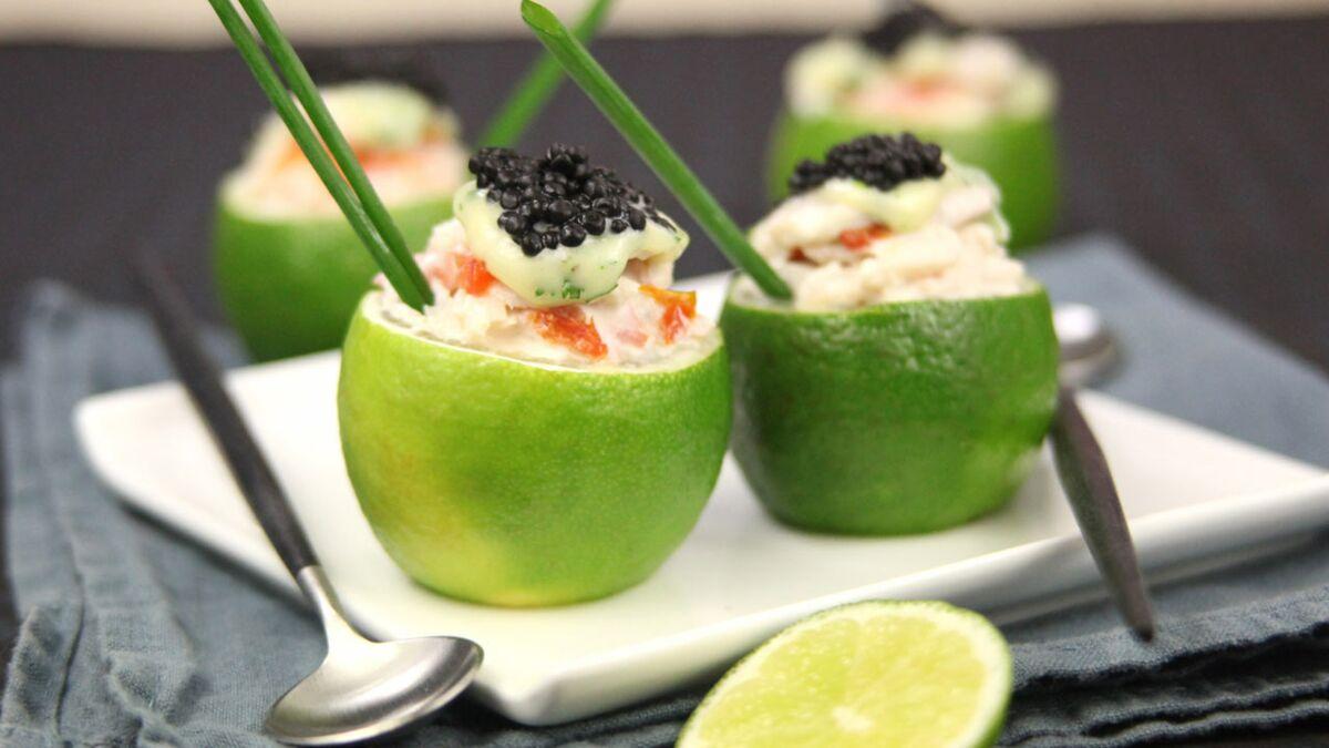 Citrons verts farcis à l'esturgeon et au caviar, émulsion de coriandre