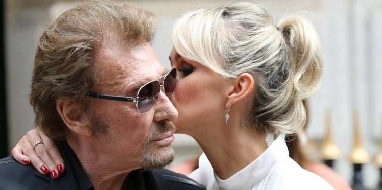 Mort de Johnny Hallyday : combien pourrait gagner Laeticia Hallyday avec son album posthume